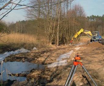 Bau einer Sohlgleite im Polzowkanal bei Menz